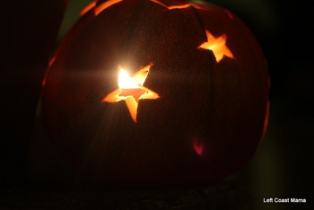Next year I think I will do a pumpkin with only stars. Now if only I had a starbusrt filter this would have been a fantastic photograph.